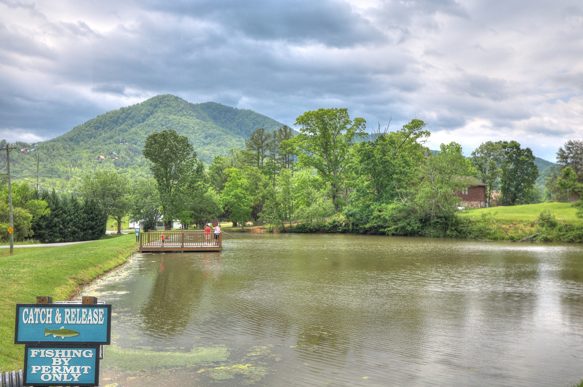 RV Park in Pigeon Forge - Sevierville - Honeysuckle Meadows